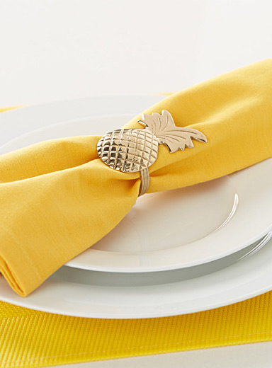 Glam pineapple napkin ring