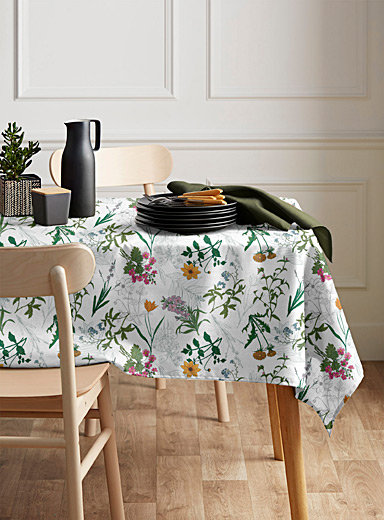 Wild garden coated tablecloth