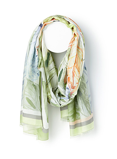 Leaves and feathers scarf