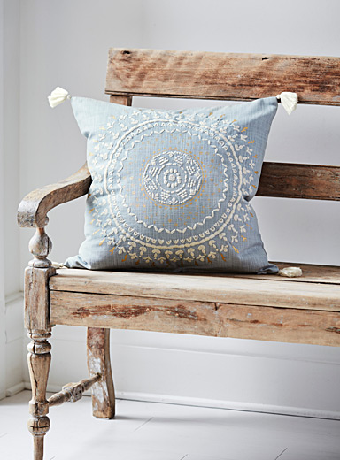 Grey-blue medallion cushion <br>20