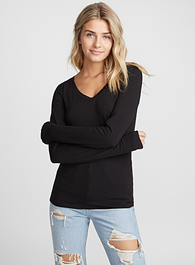Organic cotton long-sleeve V-neck tee