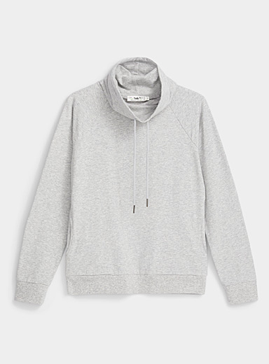 Le sweat col tombant basique