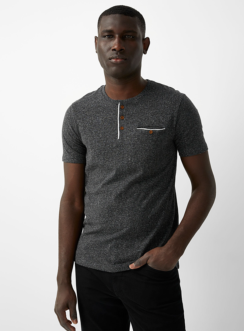 Button-collar heathered T-shirt