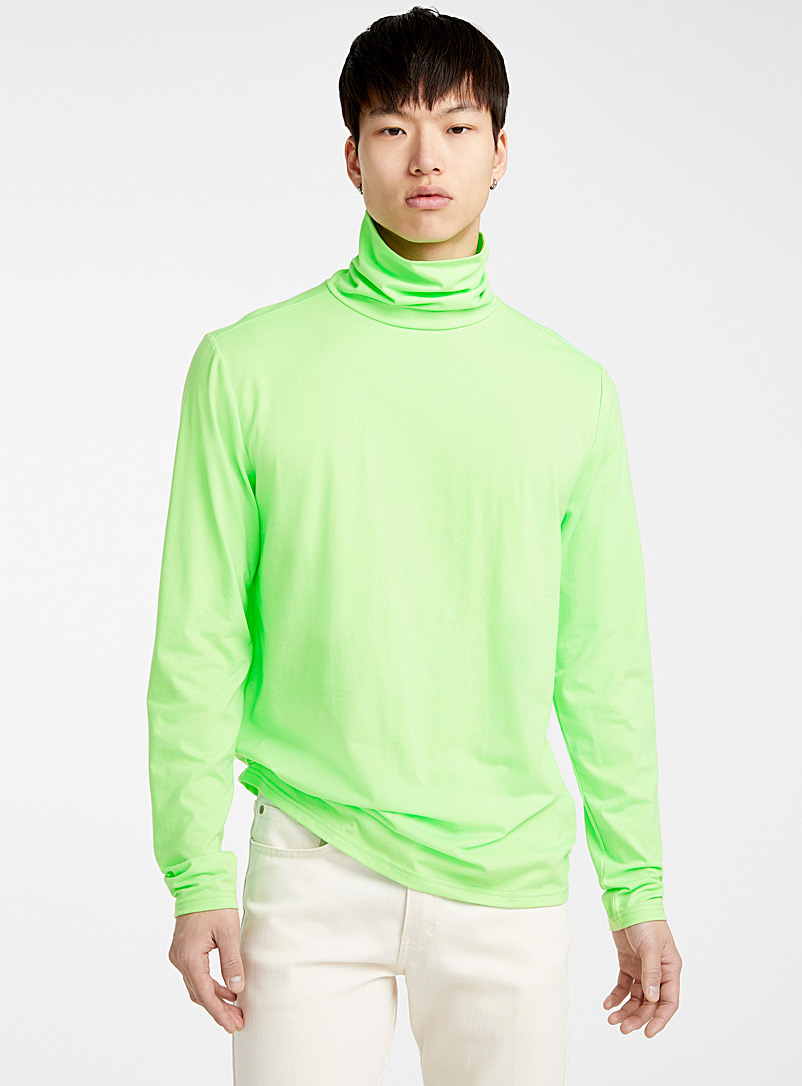 Le 31 Green Bright neon turtleneck for men