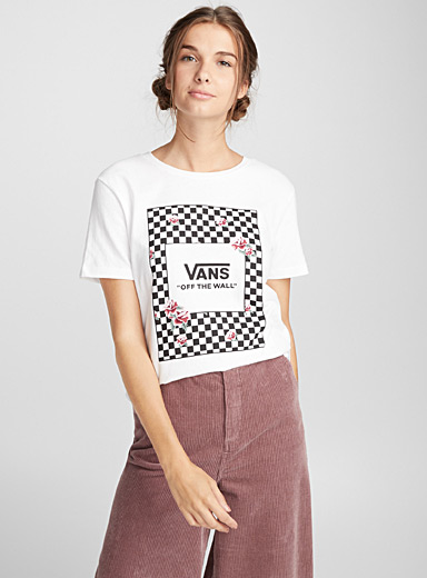 Roses and checkered tee