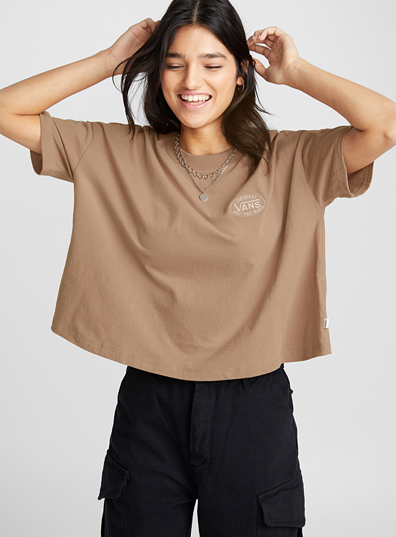embroidered-logo-tee