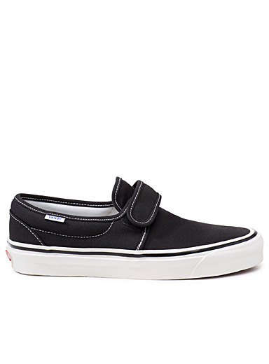 le slip on anaheim factory 47 v dx homme vans magasinez les sneakers pour homme en ligne. Black Bedroom Furniture Sets. Home Design Ideas