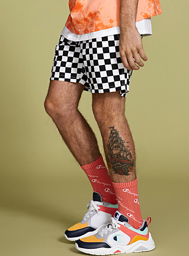 Checkered pull-on short