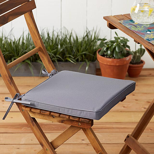 live-outside-solid-chairpad-38-x-38-cm