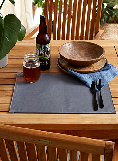 Solid outdoor placemat