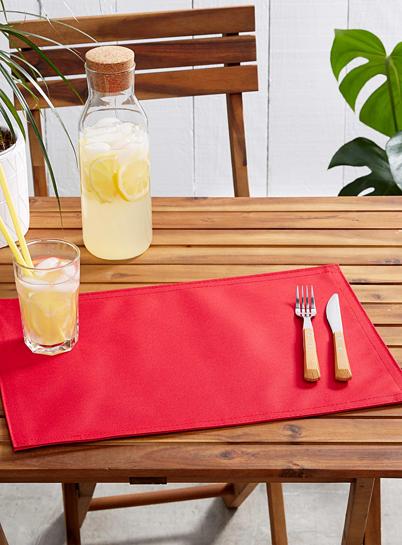 Simons Maison Red Live Outside solid placemat
