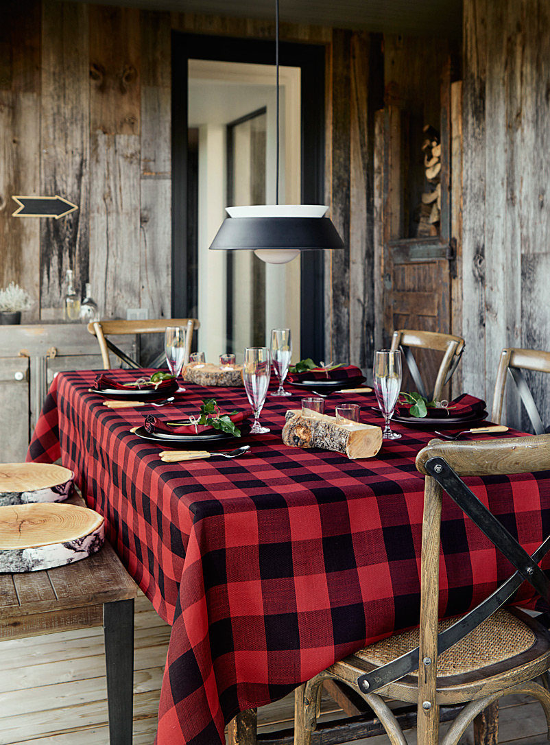 Hunter Check Tablecloth | Simons Maison | Trendy Printed Tablecloths  Available Online | Simons
