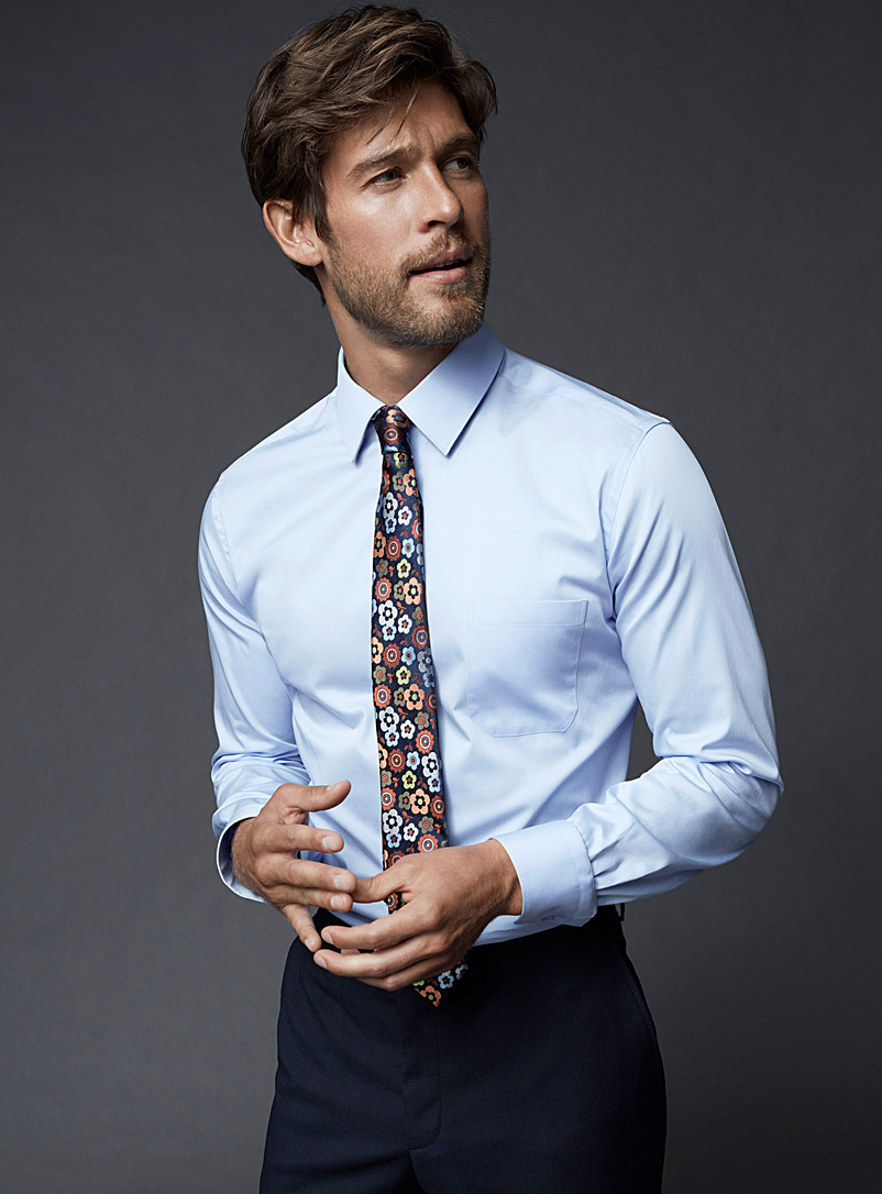 Solid executive shirt  Semi-tailored fit - Modern Fit - Baby Blue