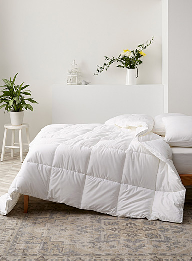 Duvetine duvet Down-like synthetic fill