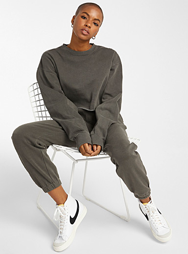Loose and faded ultra-cropped sweatshirt