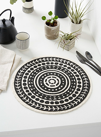 Danica Black and White Grand Canyon braided placemat