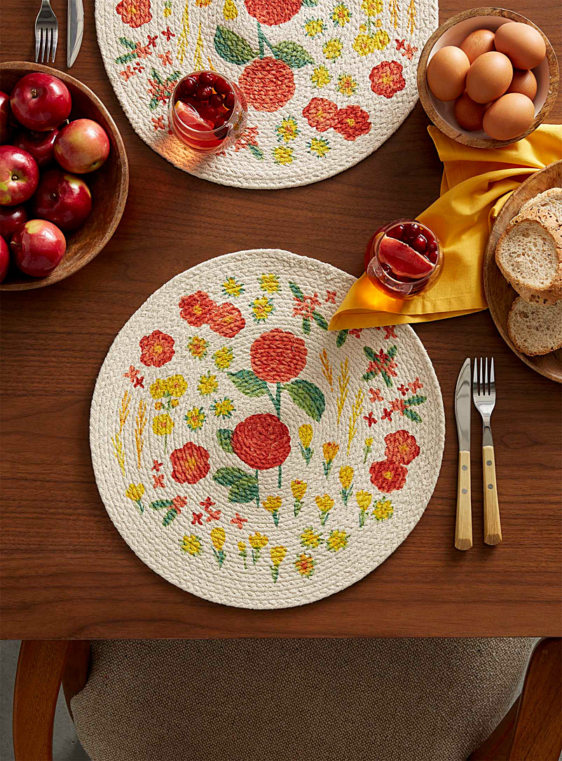 Danica Assorted Wild flowers braided placemat