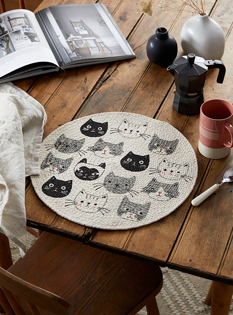 Danica Patterned White Little kittens braided placemat