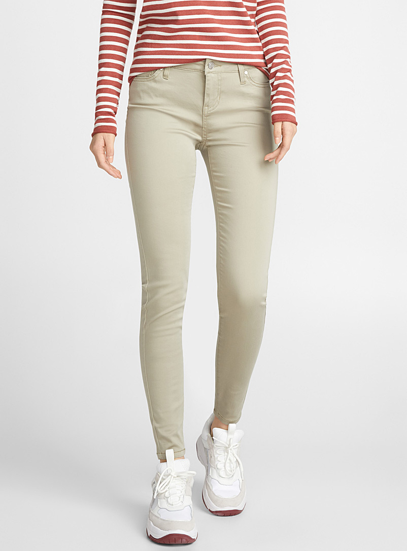 extra-stretch-coloured-jean