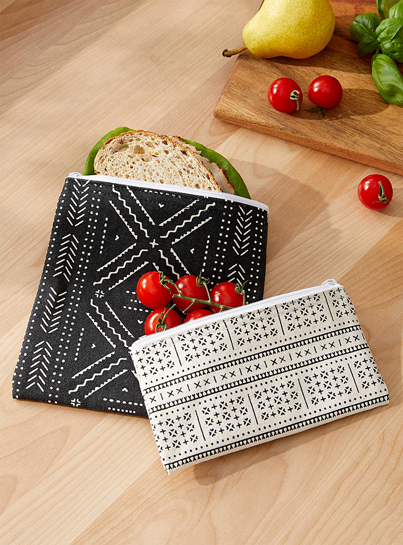 Danica Patterned Black Pictograms snack bags Set of 2
