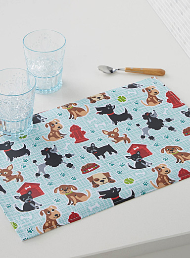 Little puppy coated place mat