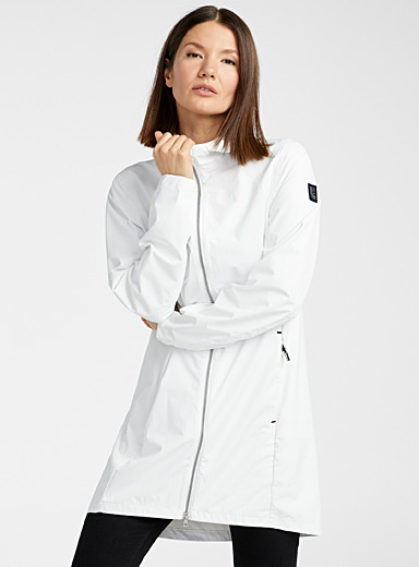 Lolë Ivory White Piper packable raincoat for women