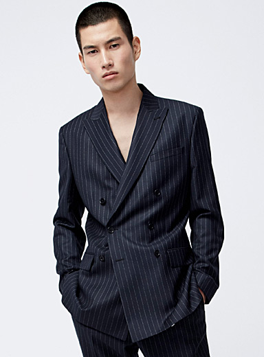 Etched-stripe double-breasted jacket <br>Semi-slim fit