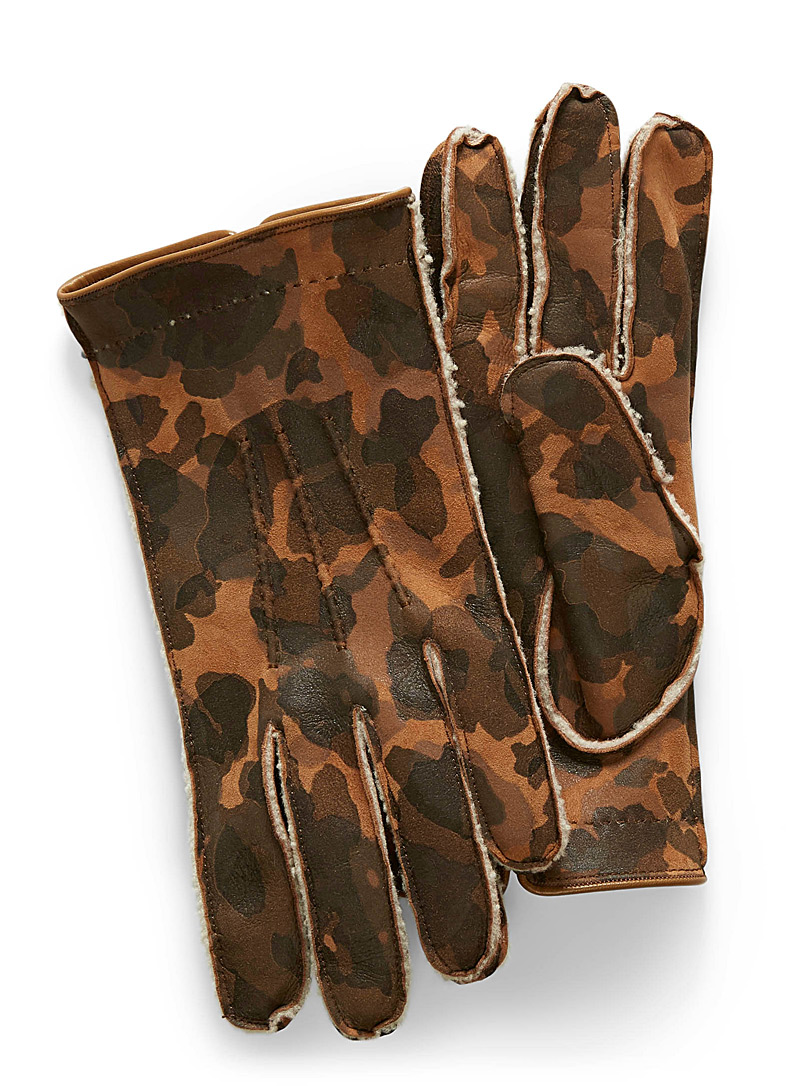sheepskin-lined-camo-leather-gloves