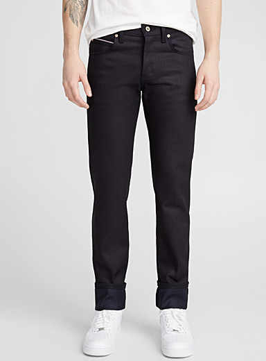 Le jeans indigo selvedge stretch <br>Coupe ajustée