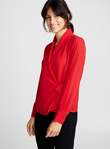 Fluid crossover blouse