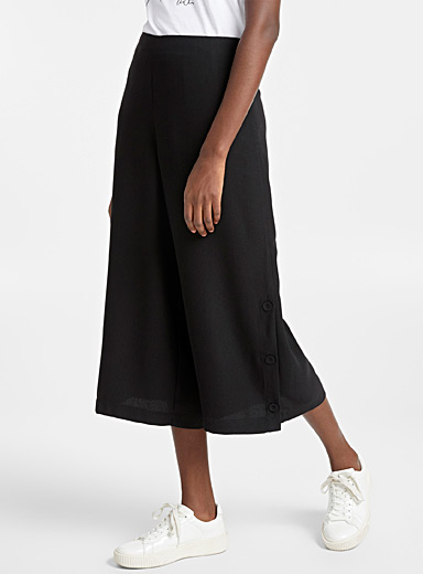 Buttoned-slit culottes