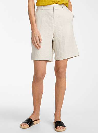 Contemporaine Sand Urban linen bermudas for women
