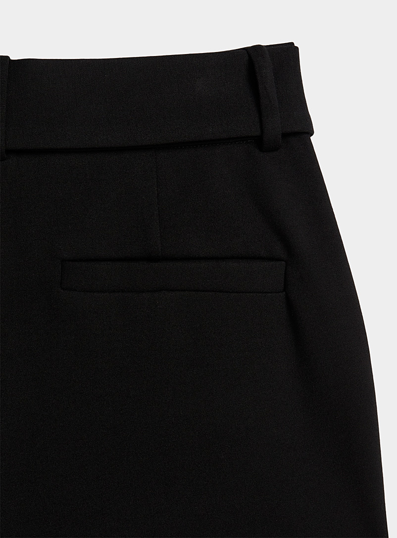 Icône Black Stretch eco-friendly viscose belted pant for women