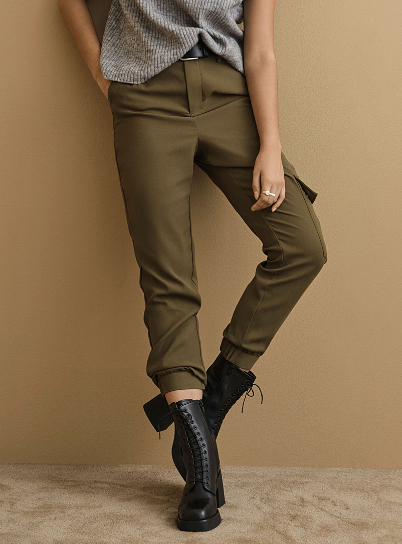 Icône Mossy Green Chic recycled polyester cargo joggers for women