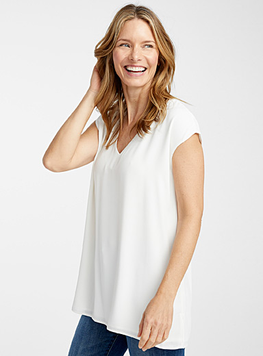 Recycled crepe V-neck blouse