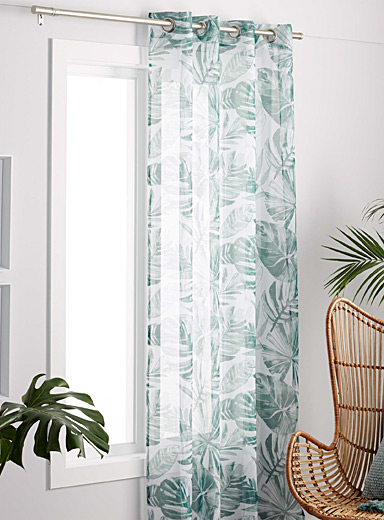 Green foliage sheer curtain  135 x 220 cm