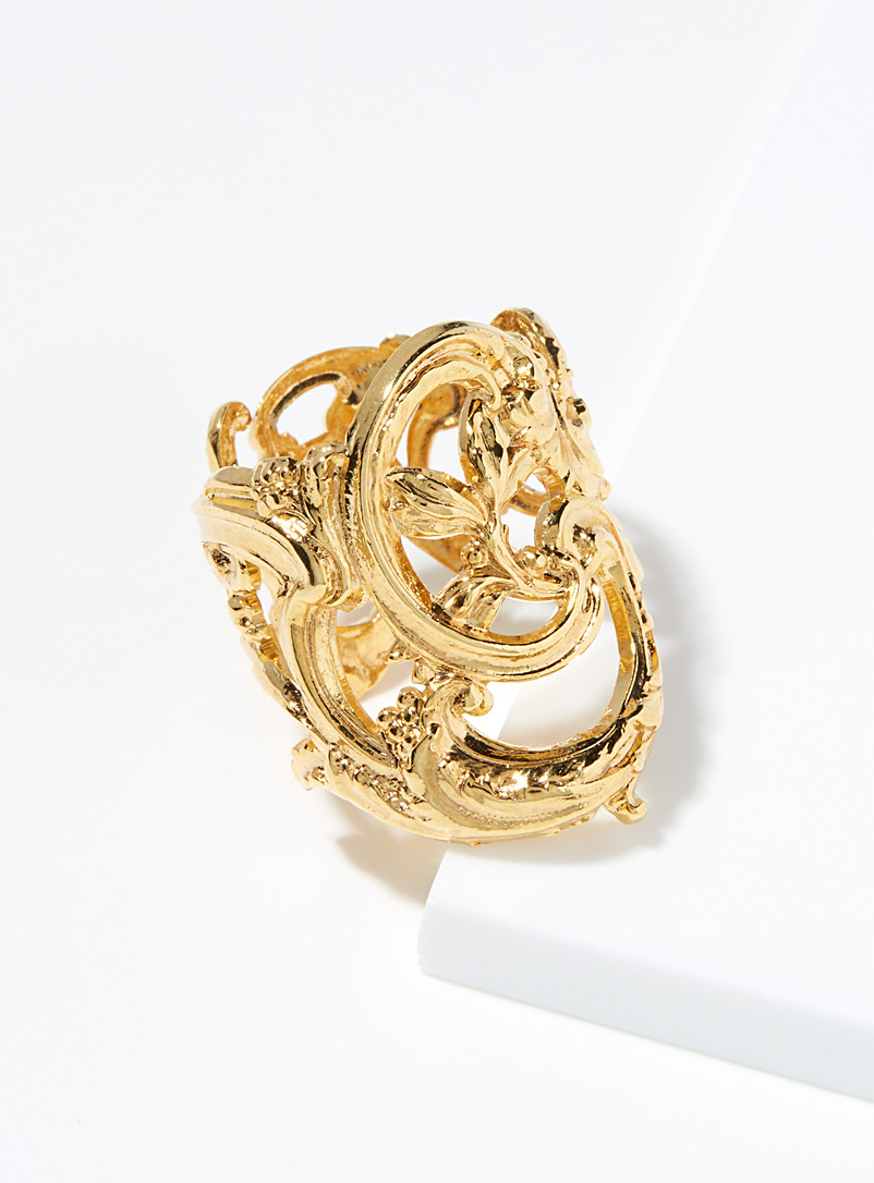 Gold arabesque ring