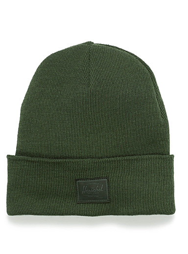 Tone-on-tone logo tuque