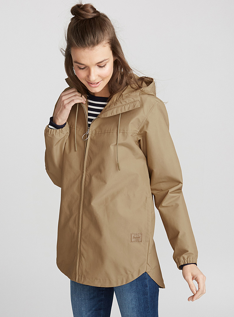 built-in-hood-anorak