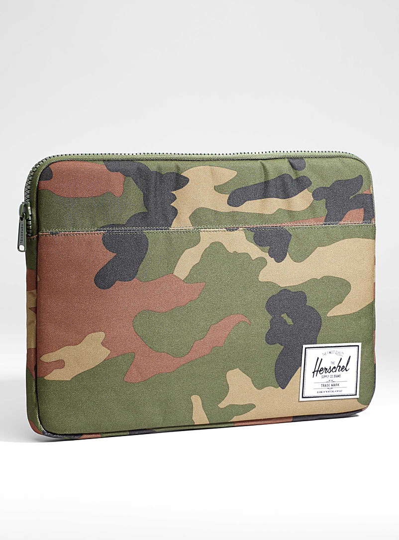 15-anchor-laptop-case