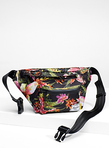 Seventeen colourful belt bag