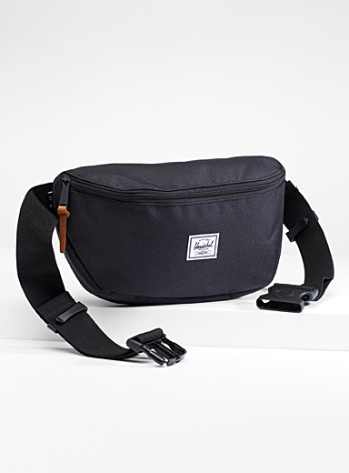 Sixteen belt bag