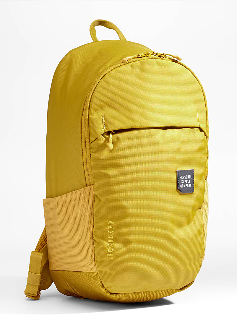 mammoth-medium-backpack
