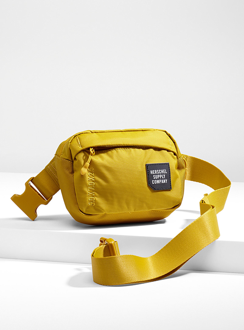 tour-small-belt-bag