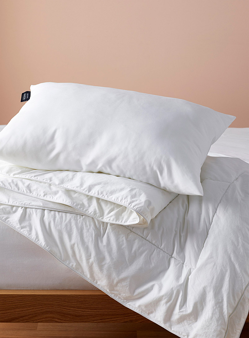 Simons Maison White Evolution jumbo pillow  Semi-firm support
