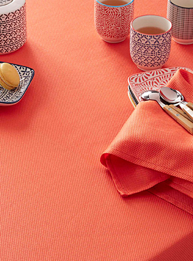 Woven micro-check tablecloth