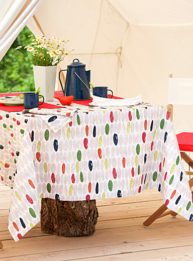 Gouache dot tablecloth