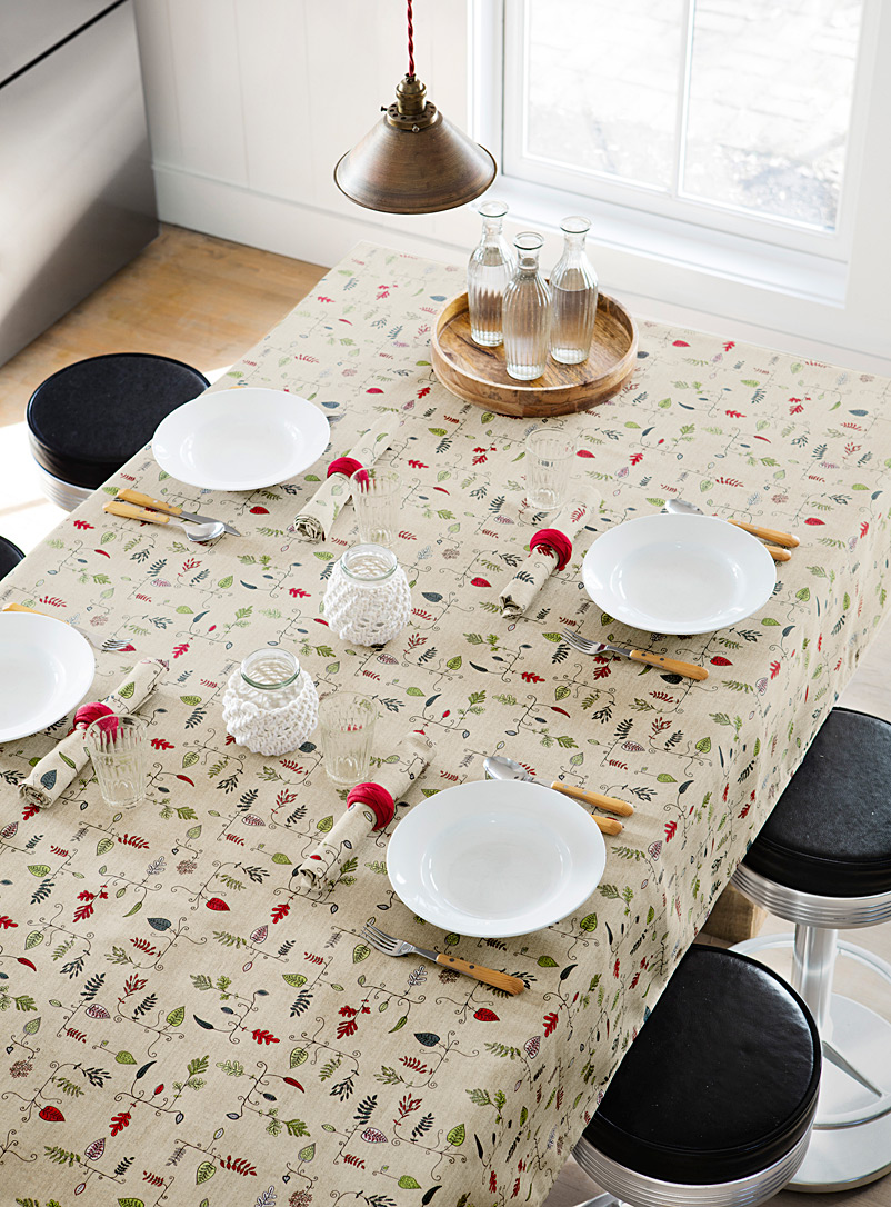 graphic-leaves-tablecloth