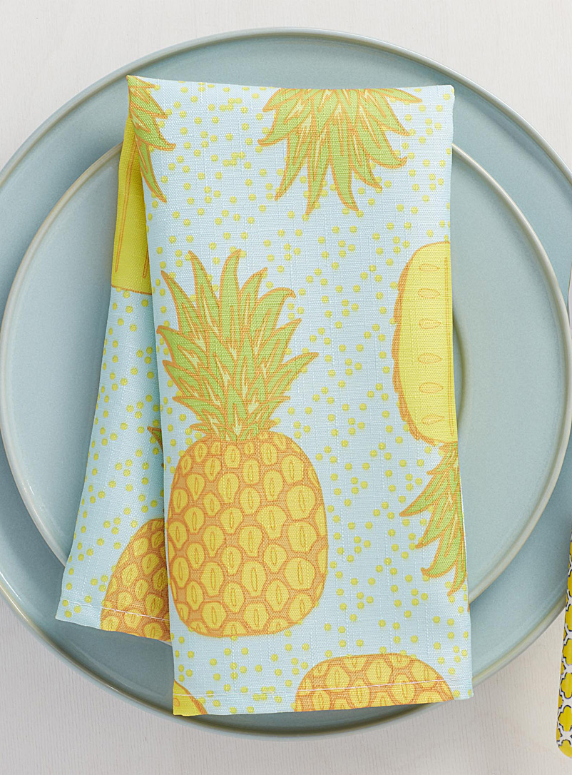 la-serviette-de-table-ananas-festifs