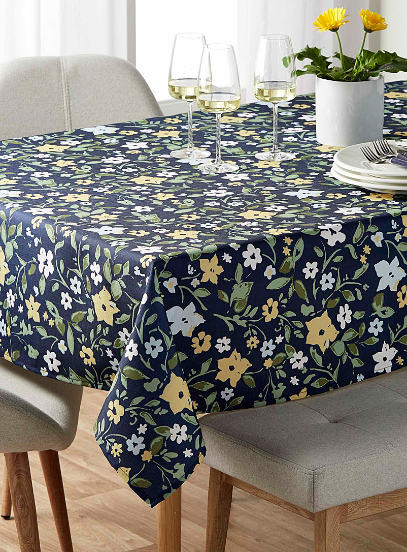 imperfect-garden-tablecloth-br-all-sizes
